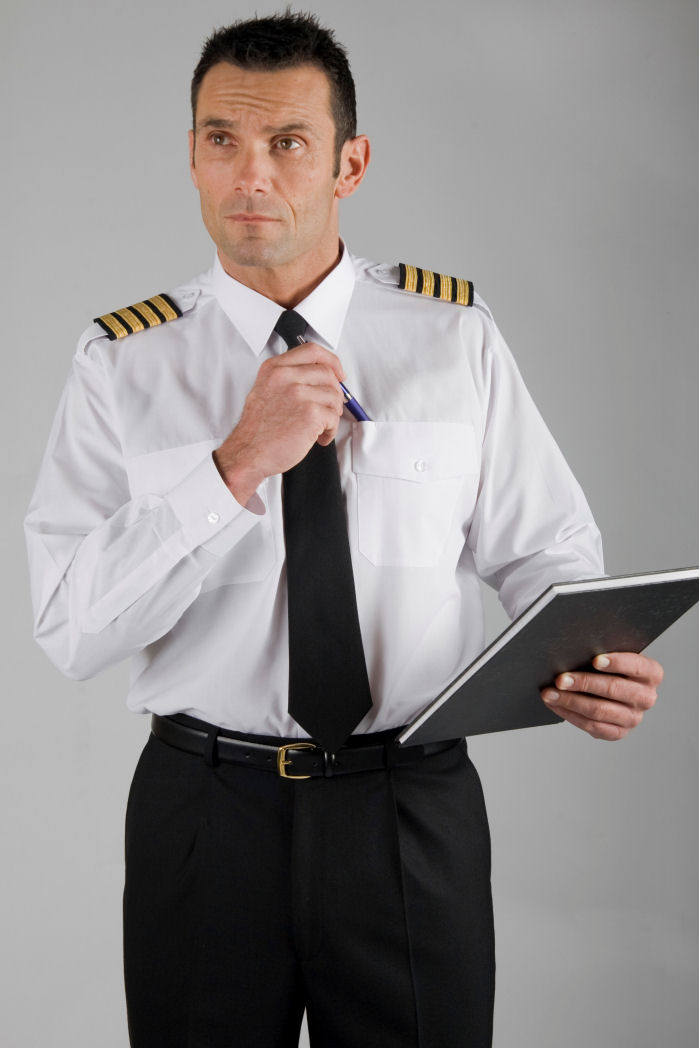 Amazon.com: Dreamgirl Men's Mile High Pilot Hugh Jordan Costume ...